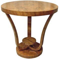 France, 1930 circa, Elegant round walnut round Art Deco table.