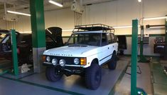 Post a pic of your Rover! - Page 31 - : and Off-Road Forum Range Rover Evoque, Range Rovers, Range Rover Off Road, Range Rover Classic, Car Goals, Land Rover Discovery, Running Gear, Roof Rack, Custom Trucks