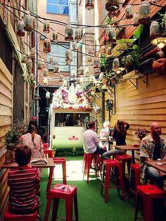 Chuckle Park Bar and Cafe - vintage caravan cafe in Melbourne, Australia