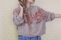 10 Top Down Seamless Raglan Sweater Patterns — Blog.NobleKnits Punto Fair Isle, Pull Mohair, Sport Weight Yarn, Yarn Sizes, How To Purl Knit, Fair Isle Knitting, Knitting Patterns, Sweater Patterns, Knit Crochet