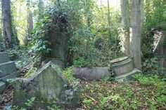 A bad witch's blog: Walking among London's dead