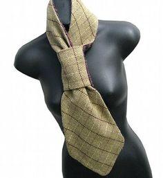 Striking green scarf.