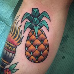 "By Daniel ""Tpot"" Ortega (@daniel_tpot_ortega) Pineapple tattoo traditional #pineappletattoo #tattoos #miami #ochoplacas"