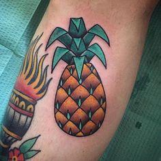 """By Daniel """"Tpot"""" Ortega (@daniel_tpot_ortega) Pineapple tattoo traditional #pineappletattoo #tattoos #miami #ochoplacas"""