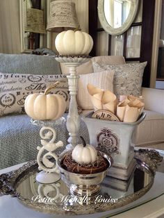 Petite Michelle Louise: Fall In The Living Room