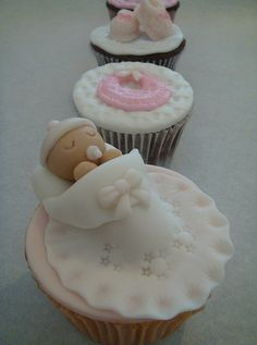 Baby Shower Cupcakes with miniature of baby