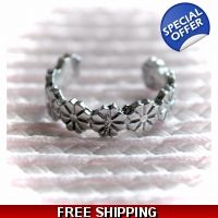 Daisy Chain Silver Toned Toe Ring