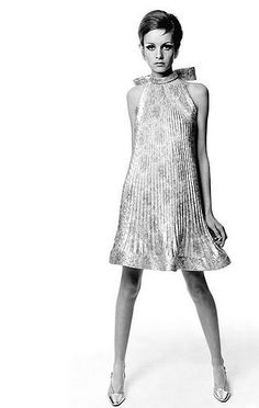 Twiggy vintage fashion