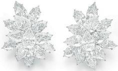 Real Diamond Earrings, Diamond Chandelier Earrings, Diamond Earing, Diamond Jewelry, Famous Jewelers, Beautiful Diamond Rings, Harry Winston, Antique Jewelry, Jewelry Accessories