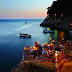 Now that's a restaurant with a view: Il Pirata in Praiano, #Italy.