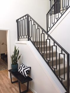 Modern Staircase Design Ideas - Modern staircases are available in numerous styles and designs that can be actual eye-catcher in the different location. We have actually compiled best 10 modern versions of stairs that can offer. Staircase Railing Design, Modern Stair Railing, Wrought Iron Stair Railing, Balcony Railing Design, Modern Stairs, Railing Ideas, Stair Banister, Spindles For Stairs, Staircase Metal
