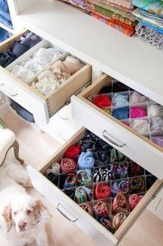 make up opbergen home pinterest schminktische schrank designs und dachzimmer. Black Bedroom Furniture Sets. Home Design Ideas