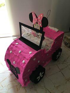 Minnie Mouse Balloons, Minnie Mouse Theme, Festa Mickey Baby, Movie Drive, Mickey Mouse Classroom, Cardboard Car, Minnie Birthday, Mini Mouse, Ideas Para Fiestas