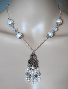Leaves and White Pearls Necklace – robinharley.net offers FREE SHIPPING in the United States and Canada