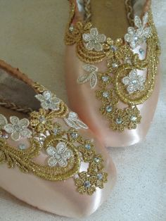 Gold Encrusted Keepsake Decorated Pointe Shoes by DesignsEnPointe