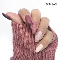 42 Beautiful Sweater Nail Designs Perfect For Christmas - Summer Nails Colors Xmas Nails, New Year's Nails, Halloween Nails, Christmas Nails, Hair And Nails, Cute Nails, Pretty Nails, Manicure, Nagellack Trends