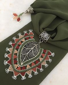 Macrame Art, Scarf Jewelry, Needle Lace, Bargello, Tatting, Elsa, Needlework, Arts And Crafts, Textiles