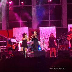 #AltaDefinicion El cantante Napoleón canta en Veracruz para los jarochos románticos .  #veracruz  #travel #mexico #singer #napoleon #lights  #concert #live #weekend