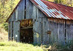 Kentucky Tobacco Barn. Brings back childhood memories of time spent working in our tobacco barn with my mom, dad, & grandpa.