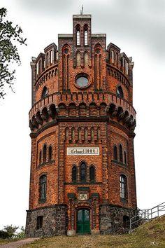 'Wasserturm Schwerin-Neumühle' von Dirk h. Wendt bei artflakes.com als Poster oder Kunstdruck $18.03