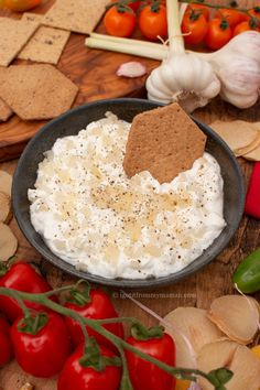 Mast-e Mosir is a creamy yoghurt dip with the nutty, mild taste of single clove garlic, also known as solo garlic. It makes a perfect dip for crisps or crackers, but also tastes scrumptious on its own or as a side next to Persian main dishes.  igotitfrommymaman.com #persianrecipes #persianfood Main Dishes, Side Dishes, Friend Recipe, Kabobs, Iranian, International Recipes, Crackers, Persian, Sauces