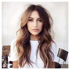 Messy perfection, what a babe! Who's wearing their hair like this tonight? #love #dissh #babe #need