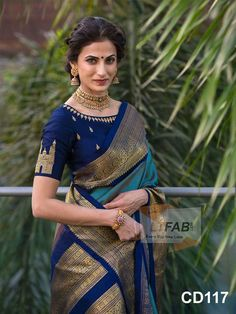 Perfect blouse design Being hyderabadi Look Fashion, Indian Fashion, Gothic Fashion, Fashion Beauty, Silk Saree Blouse Designs, Indian Blouse Designs, Blouse Patterns, Stylish Blouse Design, Saree Trends