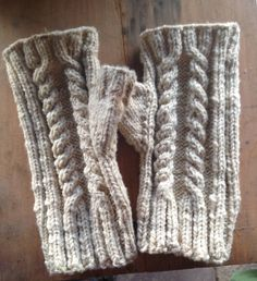 Amy's gloves from 100% Gulf Coast yarn from Wool of Louisiana