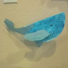 Humpback whale made from a paper plate! Perfect for our trip to the aquarium!