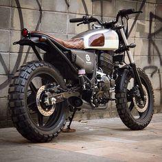 Best Honda Scrambler Ideas For You Xt 600 Scrambler, Honda Scrambler, Scrambler Custom, Scrambler Motorcycle, Tracker Motorcycle, Moto Bike, Motorcycle Design, Motorcycle Style, Vintage Bikes