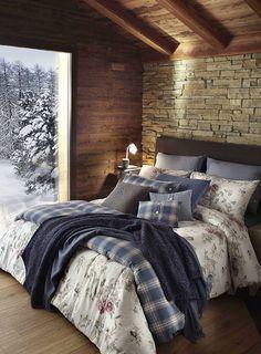 40 The Best Master Bedroom Rustic Design On Budget Feel Cozy - Home Style Home Bedroom, Master Bedroom, Bedroom Decor, Bedrooms, Bedroom Rustic, Classic Interior, Bedroom Classic, Cabin Homes, Minimalist Bedroom
