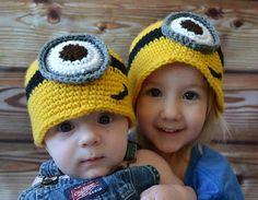 Free Crochet Minion Hat Pattern « The Yarn Box Crochet Baby Hats, Crochet Beanie, Knit Or Crochet, Crochet For Kids, Crochet Clothes, Knitted Hats, Crochet Toddler, Crochet Gratis, Free Crochet