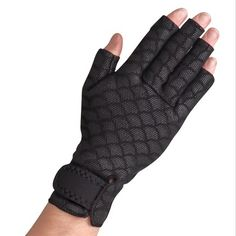 Reduces hand swelling and improves mobility