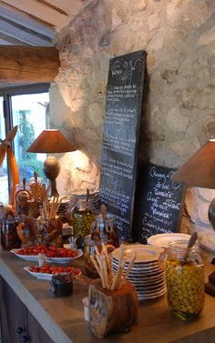 Gastronomic restaurant in Provence - Bastide de Marie : luxury property with hotel services in Provence (France)