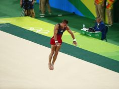 Samuel Mikulak of the United States competes  during