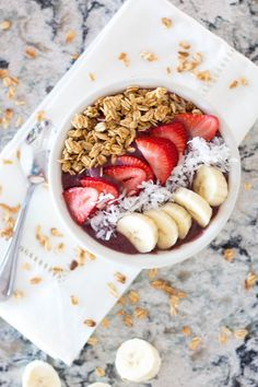 Learn how to make your own acai bowl (and how to pronounce it)!