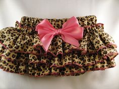 Pink Cheetah Ruffle Diaper Cover Bloomers With Matching Flower Headband Cute Baby Girl, Baby Love, Cute Babies, Baby Kids, Baby Girl Fashion, Kids Fashion, Top Infantil, Pink Cheetah, Cheetah Skirt