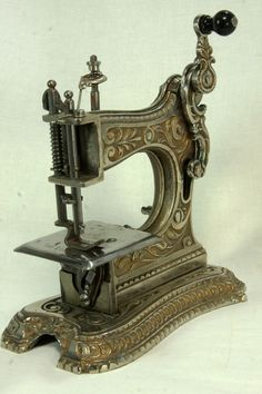 Very Rare Antique - Toy Sewing Machine - Muller No.6 - cast iron