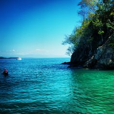 Isla Tortuga is just a couple hour bus ride west of San José and is one of the excursions Grupo de Kansas students can go on. Students can swim through the beautiful water and go snorkeling for the day. #travel #CostaRica #studyabroad #PuraVida #KU #LatinAmerica