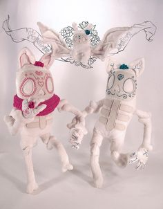Luisa Kwiatkowska's line of unique, cuddly plush toys called Creature Industry. Creepy Toys, Weird Toys, Toy Art, Plush Dolls, Doll Toys, Day Of The Dead Art, Monster Dolls, Wire Art, Softies