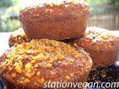 Raisins, nuts and okara muffins. Muffin de pasas y nueces con okara. Muffin di uvetta e noci con okara.