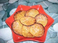 Galletas Galletitas de vainilla (no salvado/tolerados) ATAQUE INGREDIENTES:   2 cucharadas de leche en polvo 1 cucharadita de aroma (vainilla, limón ,...) 1 cucharada de edulcorante en polvo para hornear 1 cucharadita de levadura  1 huevo Un petit suises 0%:    2 cucharadas de leche en polvo  1 cucharadita de aroma (vainilla, limón ,...)  1 cucharada de edulcorante en polvo para ho...