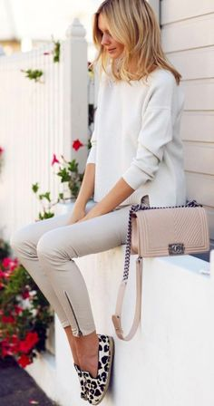 #spring #outfits White Knit & Grey Skinny Jeans & Leopard Pumps
