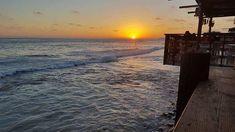 No hay nada mas relajante que escuchar el sonido de las olas, en una tranquila tarde de verano en #Rosarito Foto-aventura por Char #Baja #vacation #trip #sea #waves #beach #travel #BC #saltybreeze