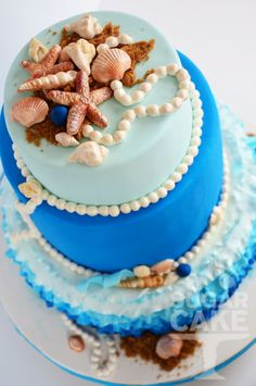 beach wedding cake blue