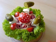 SLANÝ DORT A SPOUSTU INSPIRACE PRO VÁS | Mimibazar.cz Vegetable Carving, Avocado Toast, Food Art, Vegetables, Breakfast, Recipes, Dishes, Food Platters, Cooking Recipes