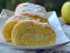Rotolo con crema pasticcera e mele, un sofficissimo rotolo goloso e delicato con mele e crema pasticcera un dolce da servire a colazione e merenda