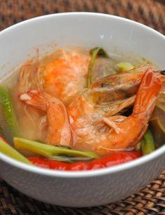 Cafe De Paris : Sooo Pinoy Food Trip na Pilipinas! - http://outoftownblog.com/cafe-de-paris-sooo-pinoy-food-trip-na-pilipinas/