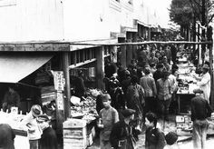 昭和23年当時の東京・新橋の闇市(1948年撮影) 【PANA=時事】