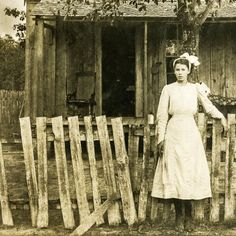 37 Lovely Photos That Show Farm Ladies Over 100 Years Ago
